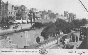 بدأ مد خطوط السكة الحديد بمصر سنة 1854 وقد كانت بداية الخط من الأسكندرية