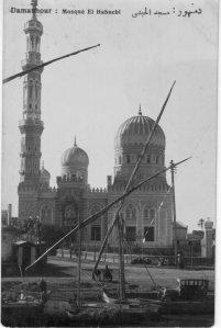 مسجد الحبشي وقام بإنشائه حسين باشا الحبشي في عشرينيات القرن الماضي والمسجد علي الطراز المملوكي